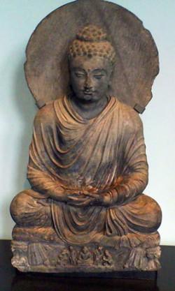 Buddha in sitting posture.  © Victoria and Albert Museum